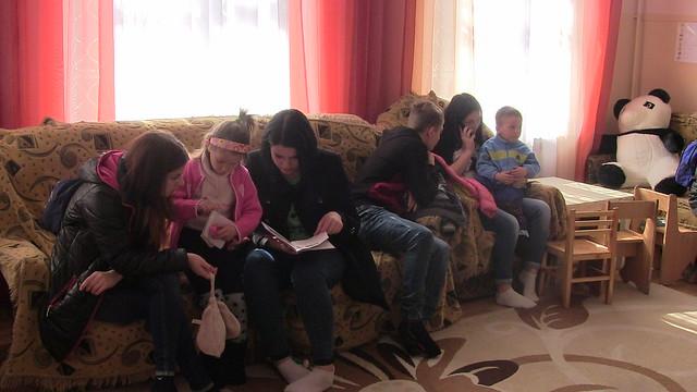 Учні в Центрі реабілітації дітей