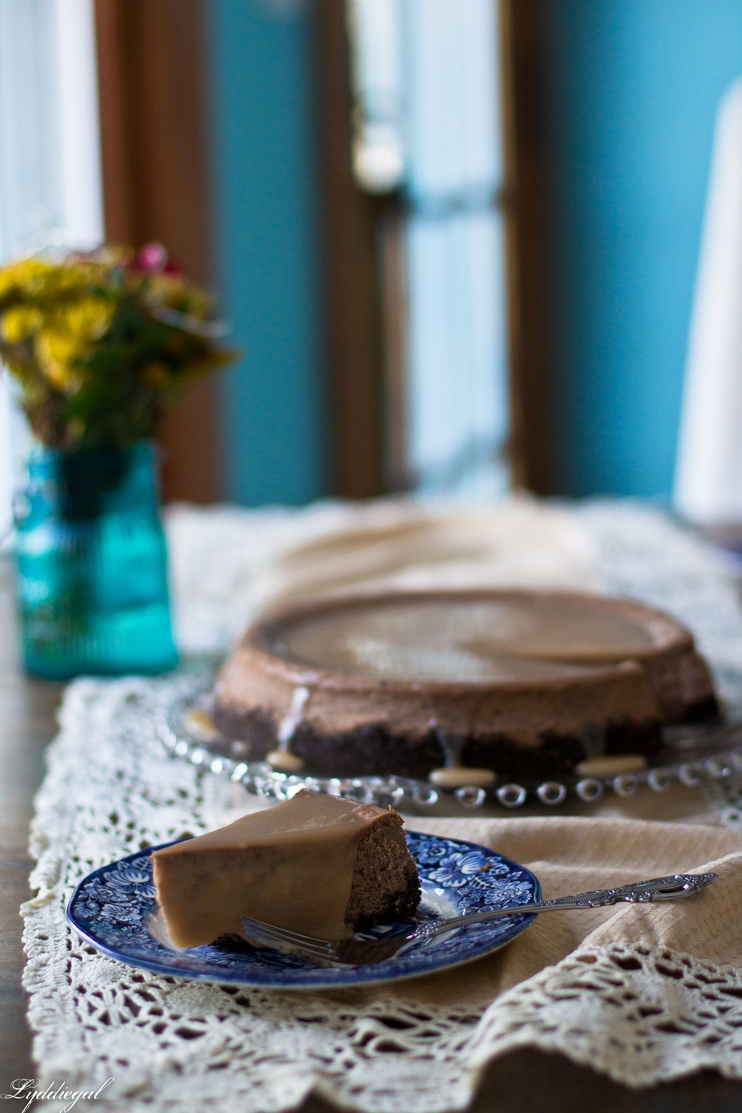 dark chocolate salted caramel cheesecake-6.jpg