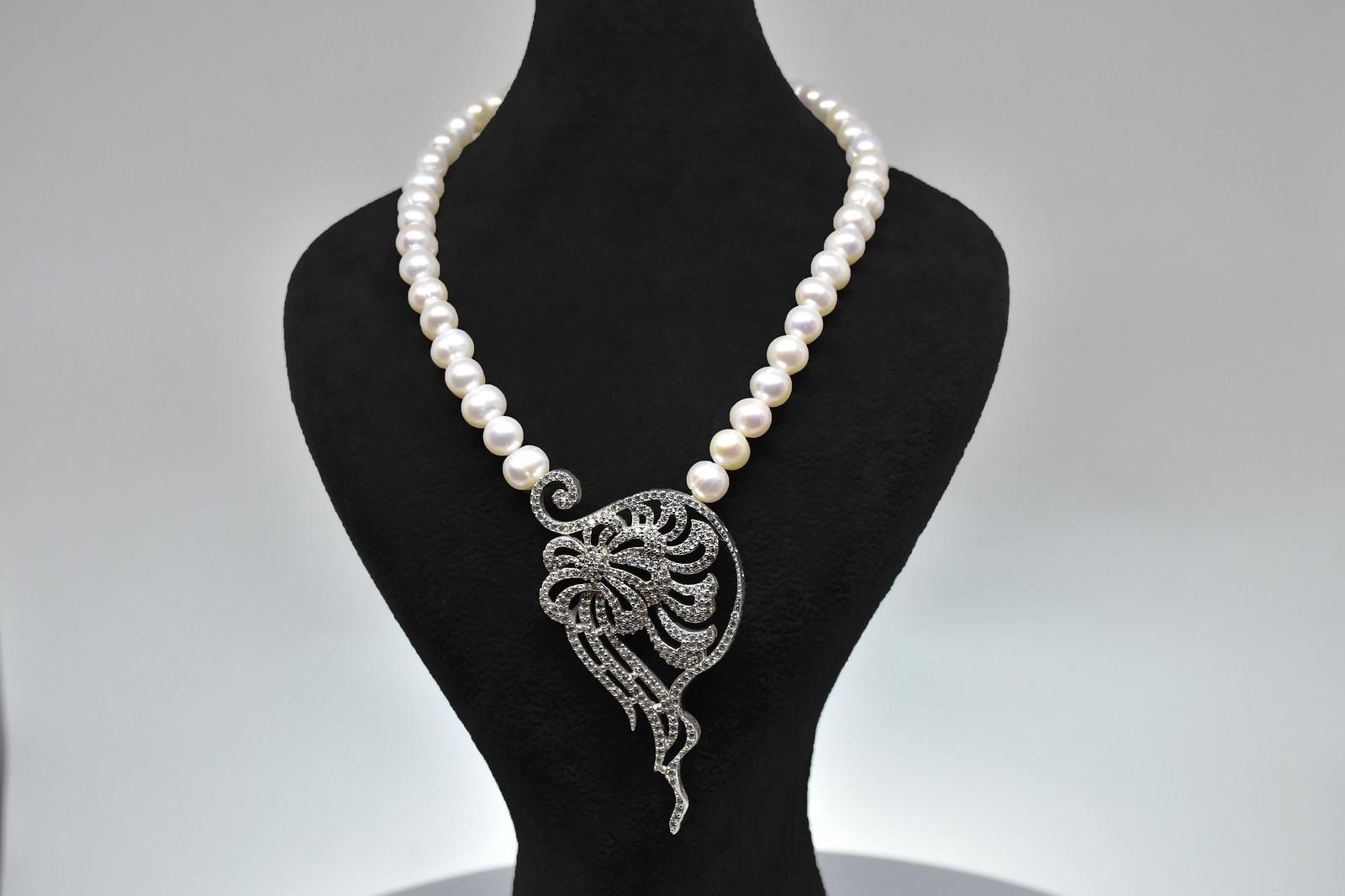 - Ahsen 925K Gümüş Zirkon Taşlı Klipsli Doğal Beyaz İnci Kolye-AH-0022