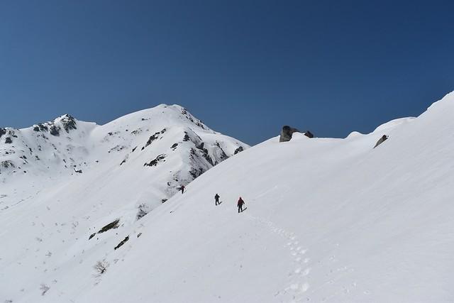 三ノ沢岳の稜線を通過
