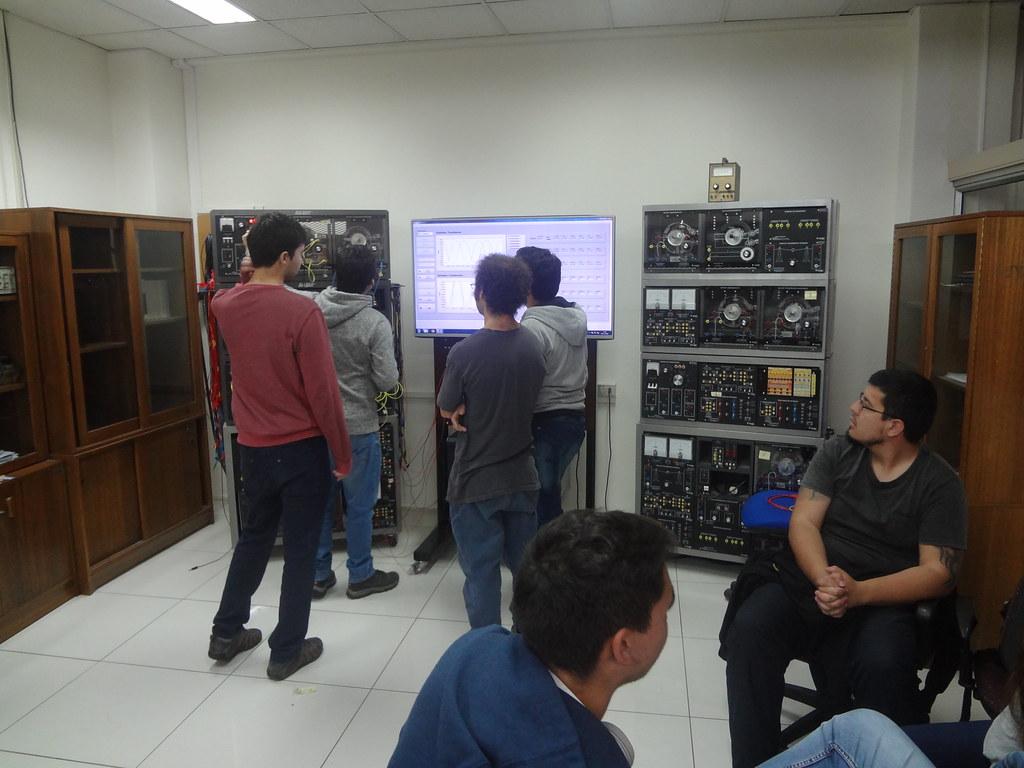 Escuela de Ingeniería Eléctrica 2 2016