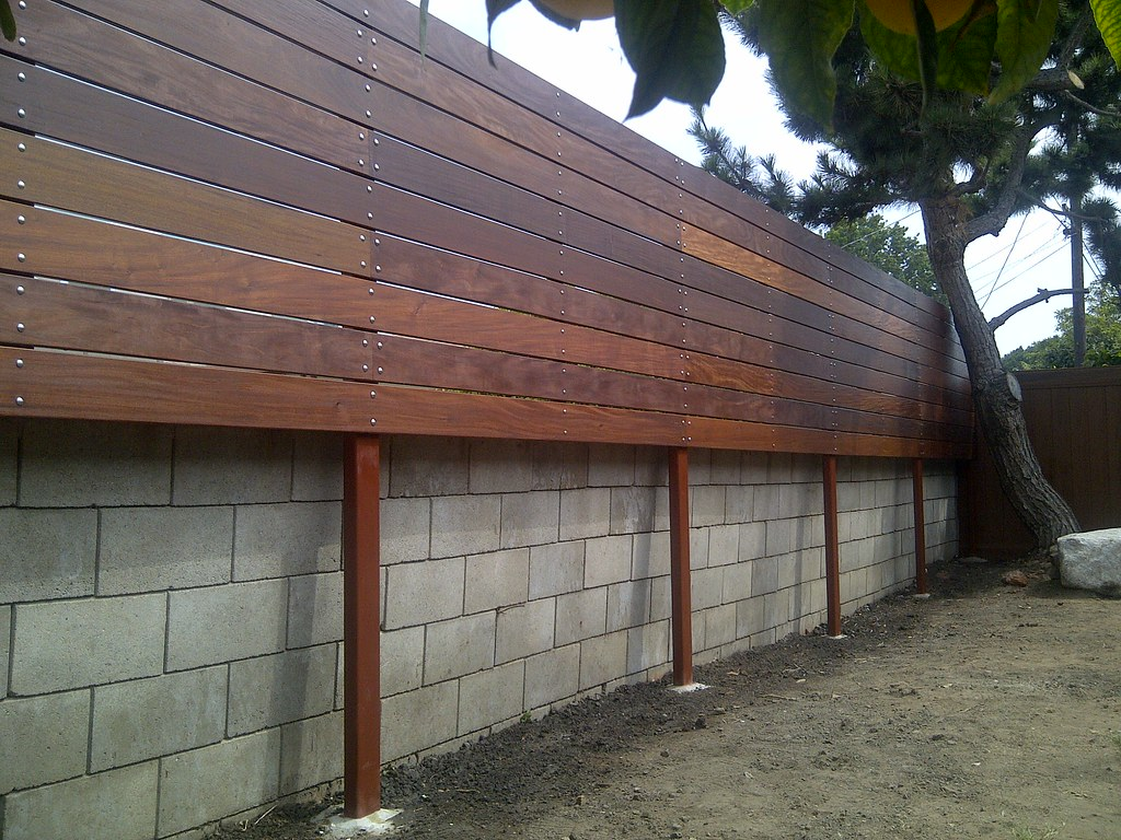 1x6 Ipe Horizontal Wood Fence 2 Woodfenceexpert Com