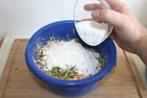 24 - Mehl & Speisestärke unterheben / Stir in flour & starch