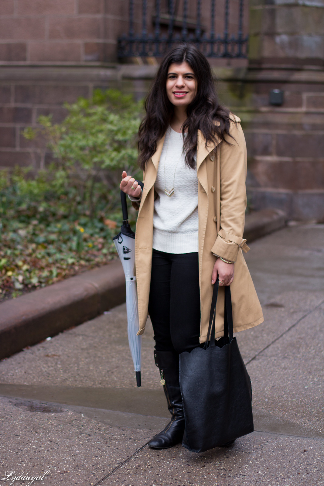 Trench coat, matine tilly clutch, kate spade umbrella, rainy day outfit-6.jpg