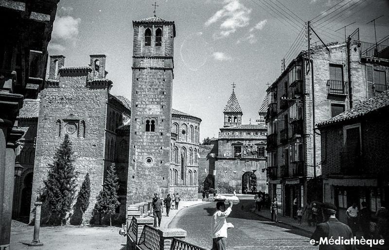 Santiago del Arrabal en Toledo en agosto de 1965. Fotografía de Jacques Revault © e-Médiathèque | Médiathèque SHS de la Maison méditerranéenne des sciences de l'homme