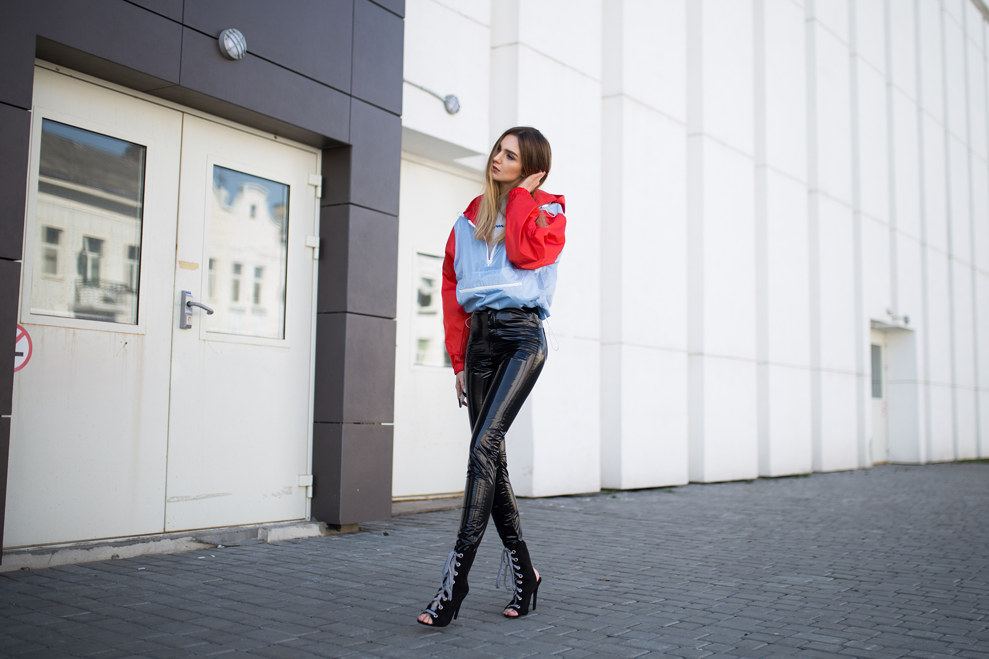 vinyl-leather-pants-leggings-trend-street-style