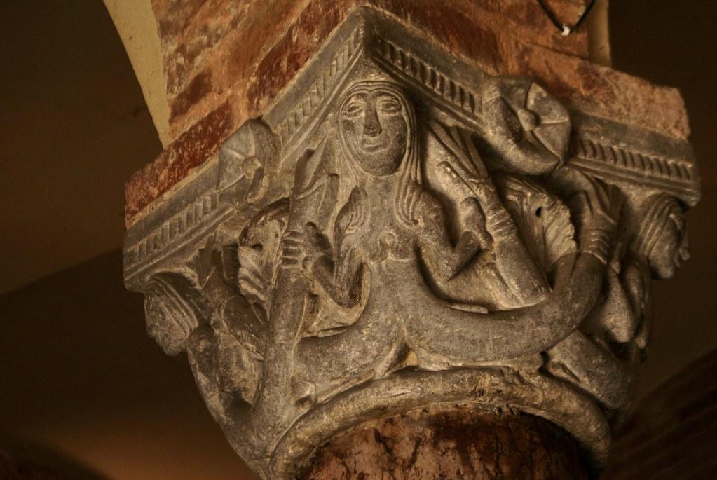 Chapiteau d'une colonne de Santo Stefano à Bologne.