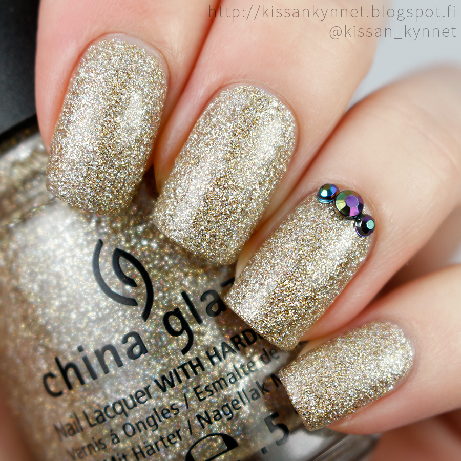 china_glaze_im_not_lion_swatch
