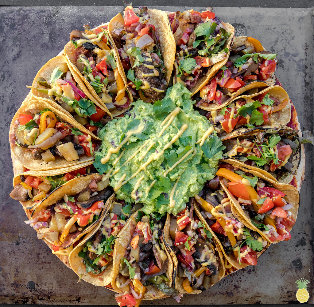 The BEST Vegan Taco Pizza w/ Fajita Veggies -- Viral Taco Pizza GOES VEGAN! sweetsimplevegan.com #taco #tacopizza #epicpizza #superbowl #oilfree #vegansuperbowl #bestvegan #vegantacopizza