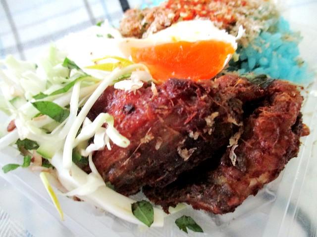 Mak Met Breakfast Station nasi kerabu 2