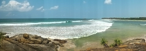 Aluthgama beach