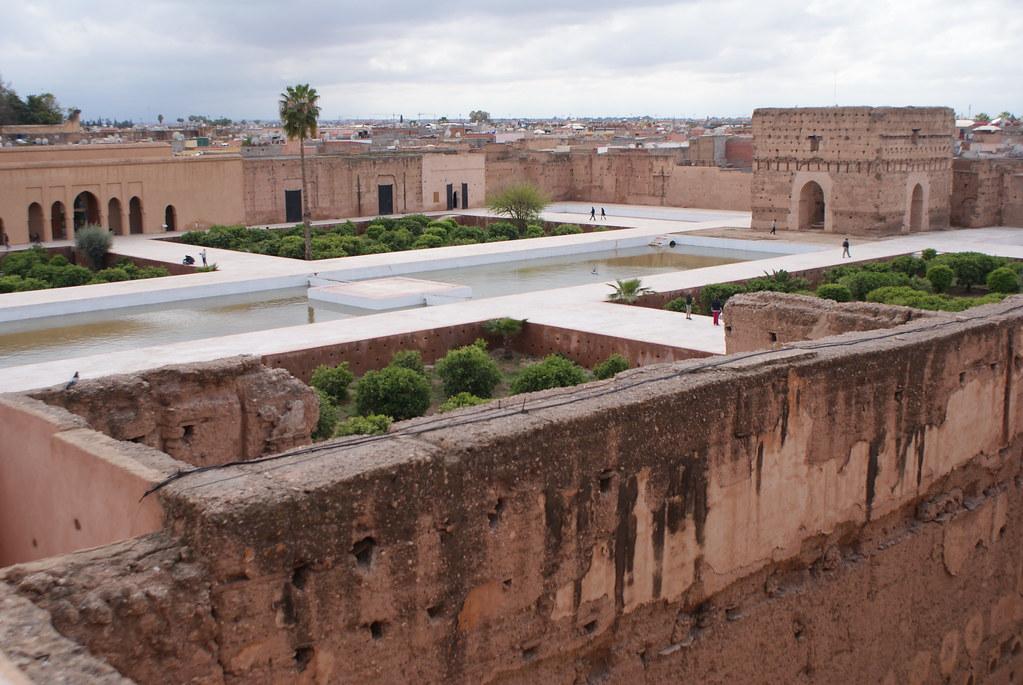L'immense cours du Palais El Bladi à Marrakech.