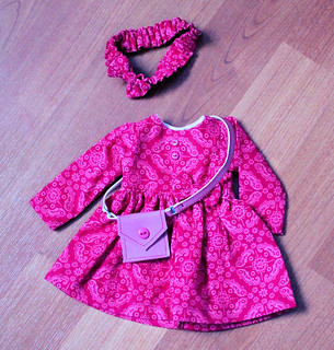 Nellie Rose - Minouche Outfit