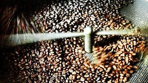 Lots of coffee roasting at the shop! Ready for pick and delivery (via our Coffee Subscription program - caffedbolla.com) ☕❤