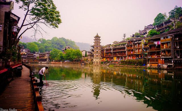 Feng Huang Ancient Town Guzhen at night 18