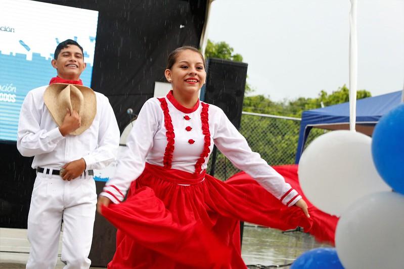 Inauguración U.E. Siglo XXI Edwin Mendoza Bravo en Portoviejo