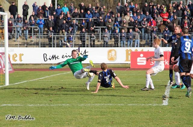 TuS Koblenz - Eintracht Trier    1:0 32991358721_27f1914ee6_z