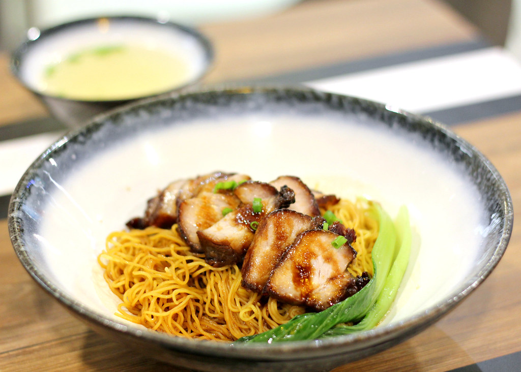 kowloon-bay-hk-cafe-signature-char-siew-noodle
