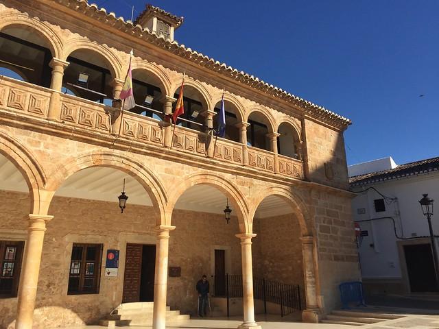 Ayuntamiento de El Bonillo (Albacete) - Parte de la ruta de Don Quijote en coche