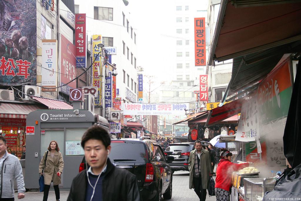 33442519781 7a313ace77 b - Seoul-ful Spring 2016: A quick morning run to Namdaemun Market
