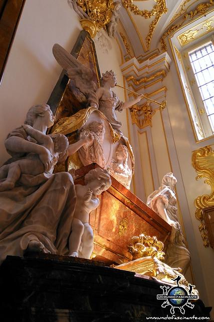 Interior Colegiata de la Santísima Trinidad. Palacio Real de la Granja de San Ildefonso. Segovia, Castilla y León. España..