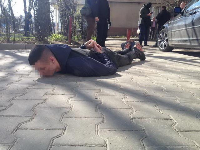 На Буковині СБУ перекрила канал контрабанди наркотиків