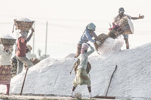 Unloading salt