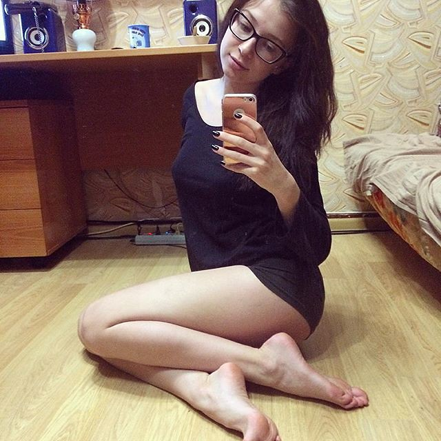 young teen feet cam gallery