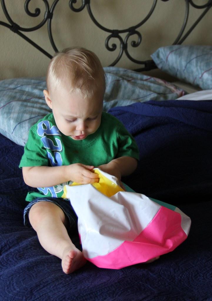 Cute Duck Pumper Baby Bath Toys Non Toxic Water Spraying
