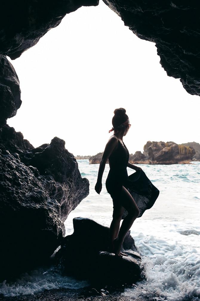 black sand beach hana cave hawaii