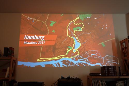 Verfolgung Marathon 2017 in Hamburg über unseren Beamer