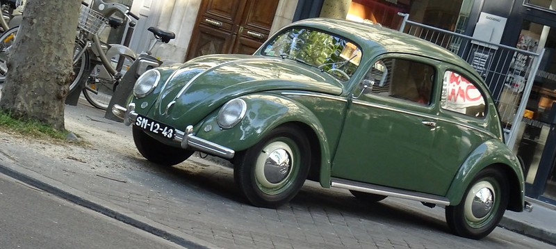 Volks Wagen Cox 1949 modèle 1950  - Paris (75) Avril 2017 34122107736_3f352c099a_c