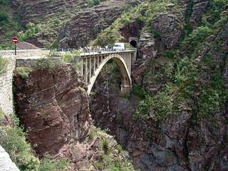 19 Bungee jumpen vanaf brug in Gorges de Daluis