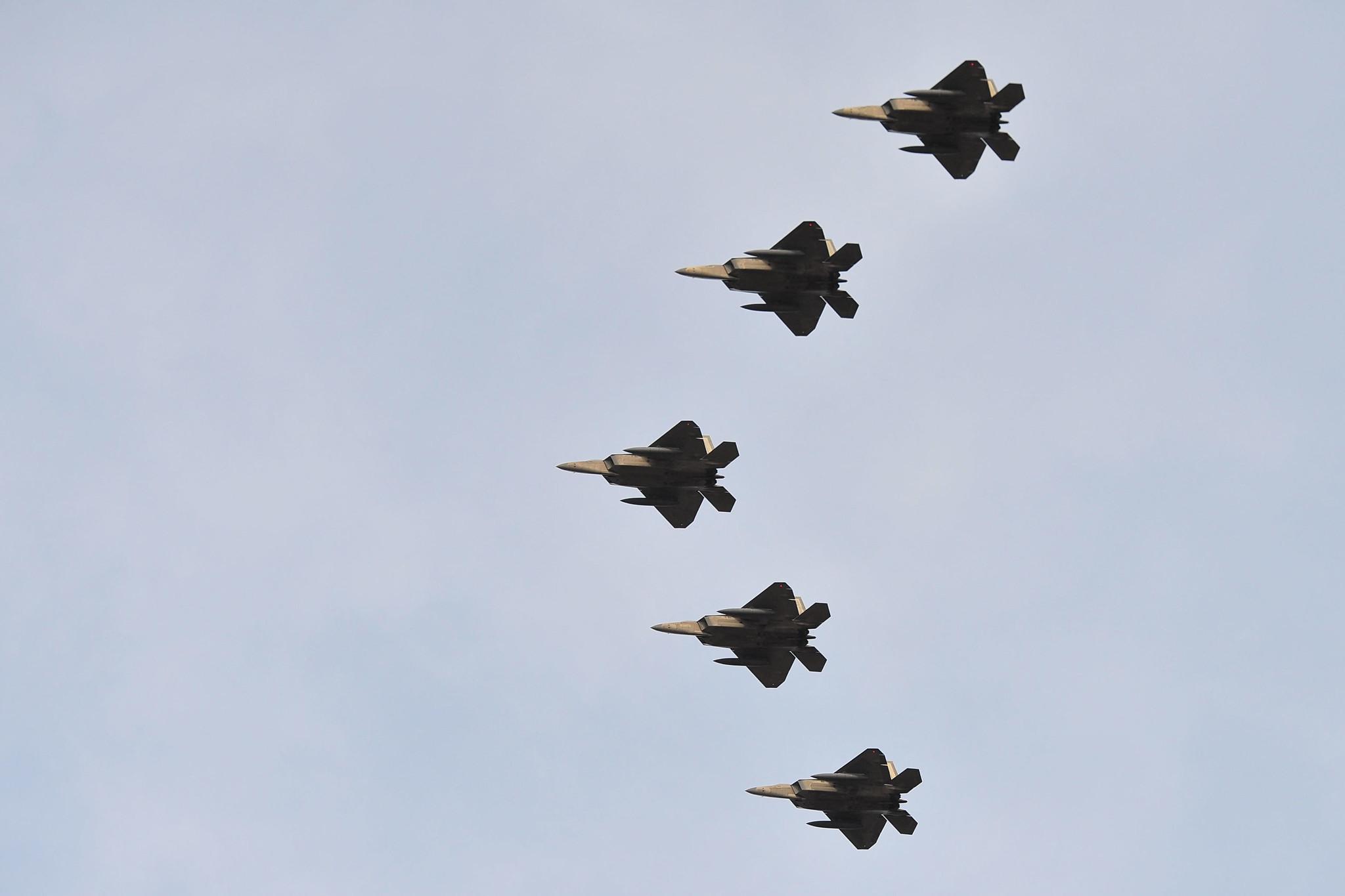F-22 Raptor fly over