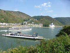 Schiffsverkehr bei Kaub