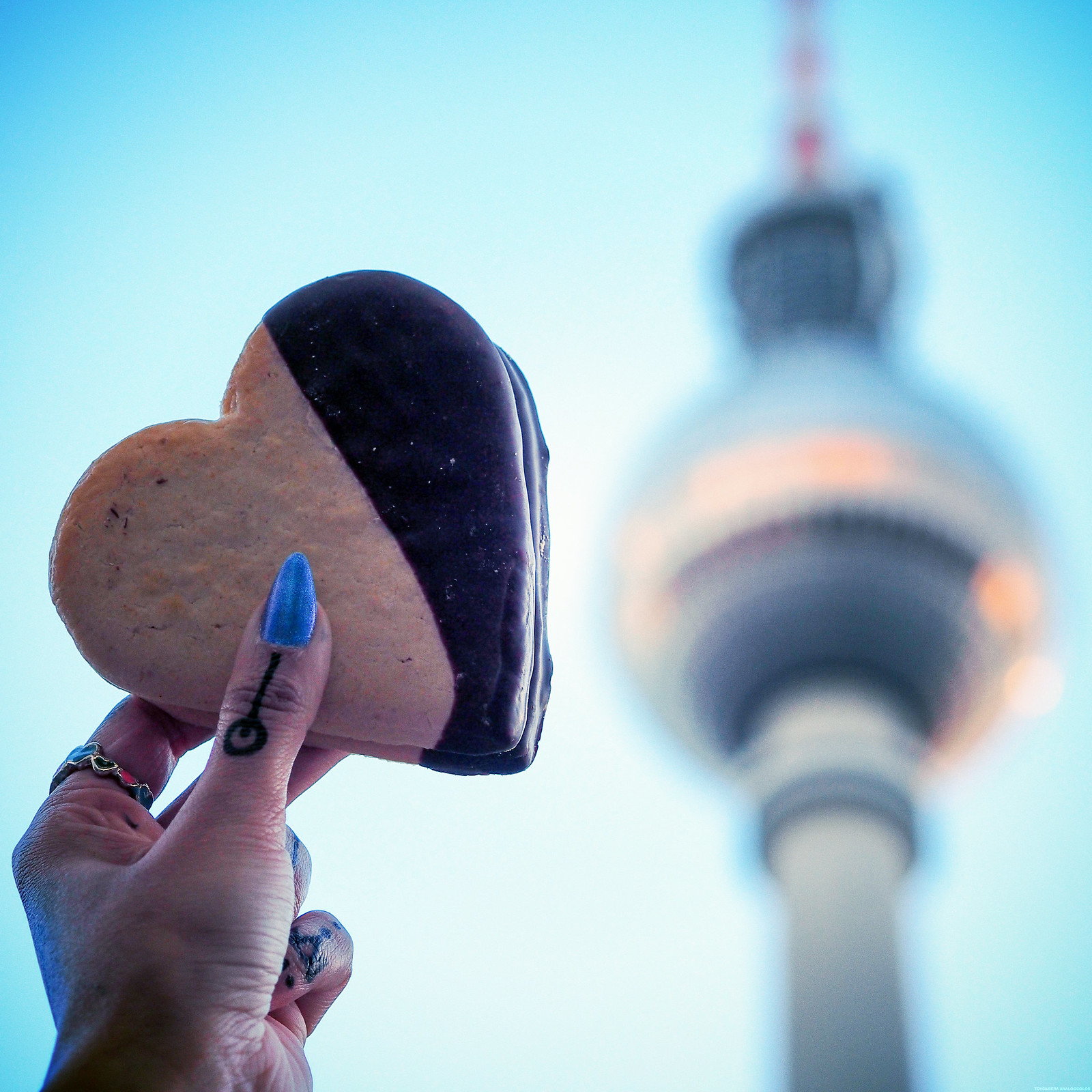 Love Heart Chocolate Biscuit Berlin Travel Guide Hipster_effected