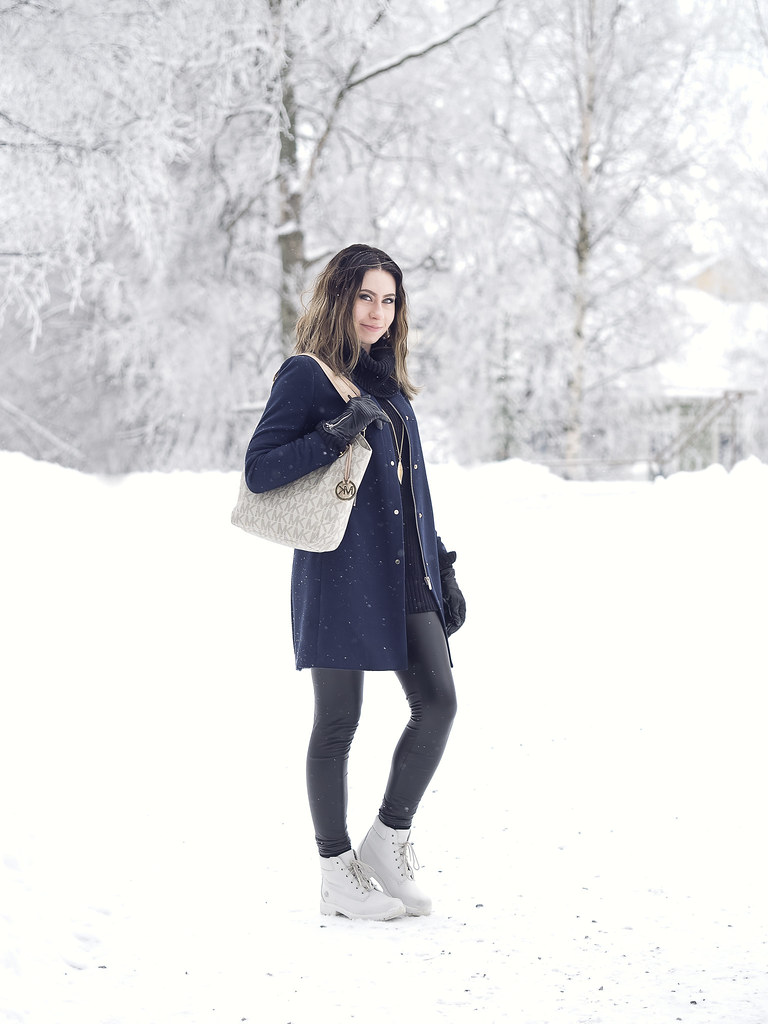 winter-talviasu-nahkaleggingsit-navybluecoat