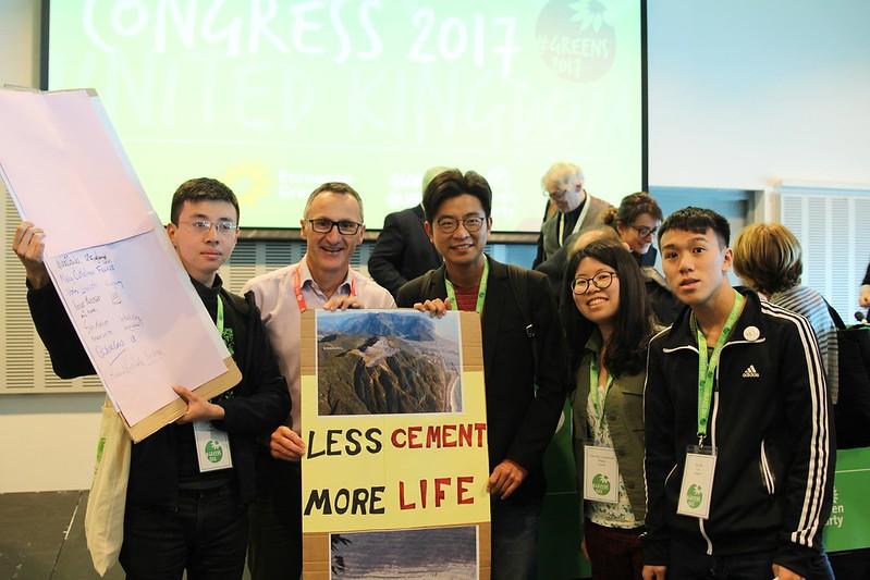 持續發酵!聲援亞泥案、澳洲綠黨黨魁暨國會議員Richard跟進參與