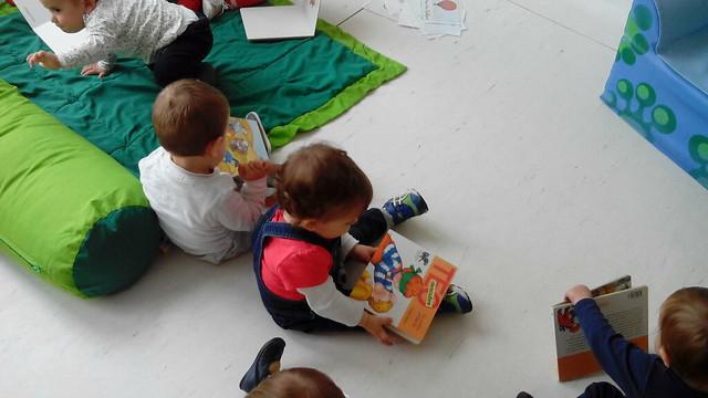 Nunca es demasiado pronto para comenzar la magía de un libro...bebés Novaschool Juan Latino