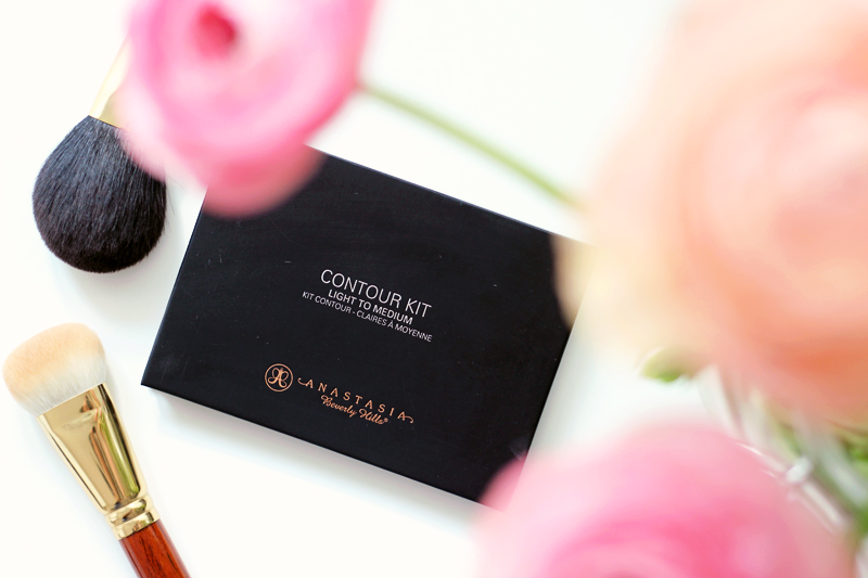 Anastasia Beverly Hills Contour Palette Light to Medium Review