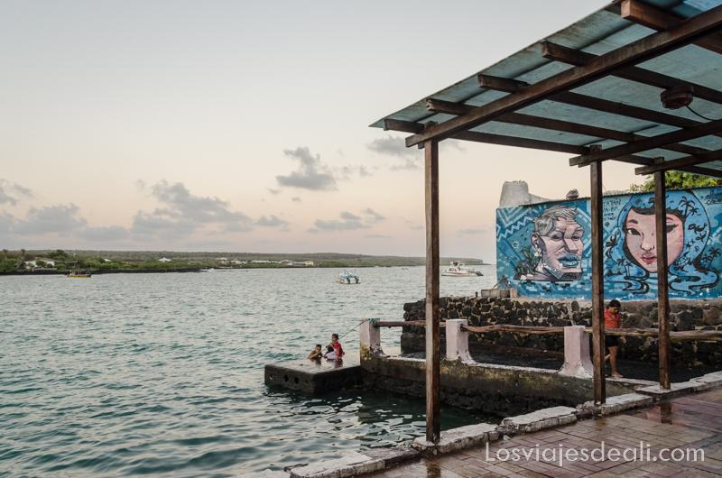 vivir en las islas galapagos isla santa cruz