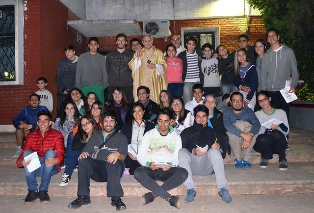 """""""Pascua joven"""" en la vicaría de Lomas"""