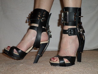 Locking Fixed Ankle Belts For High Heel Shoes