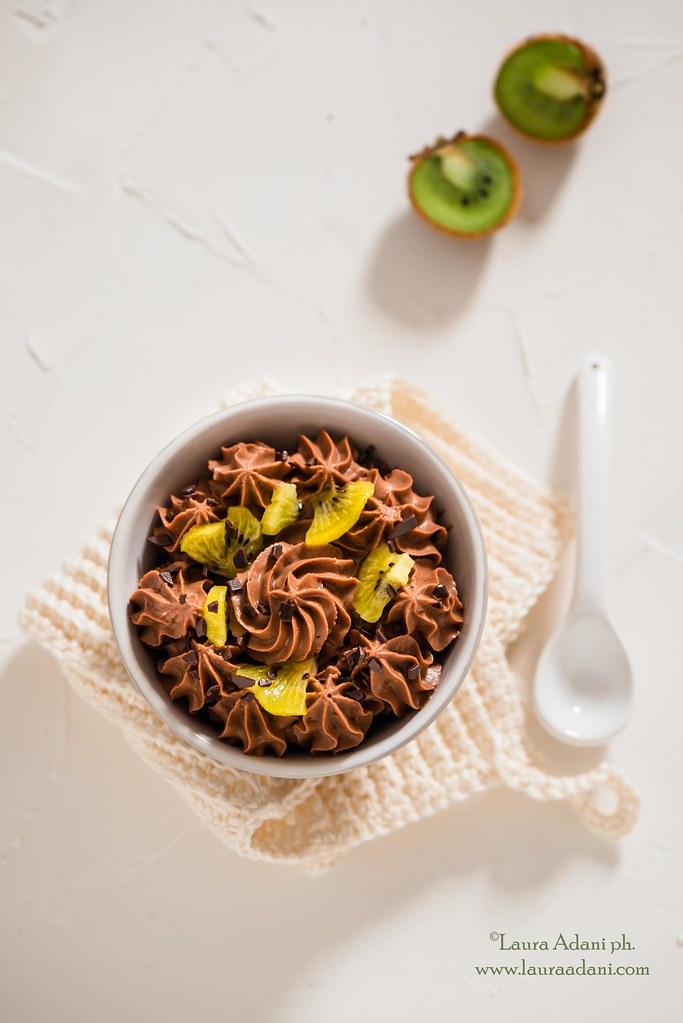 Mousse al cioccolato ricotta e datteri
