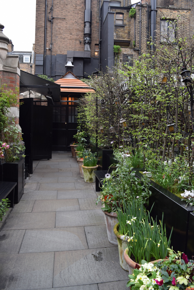 Outside The Chiltern Firehouse, Marylebone | www.rachelphipps.com @rachelphipps