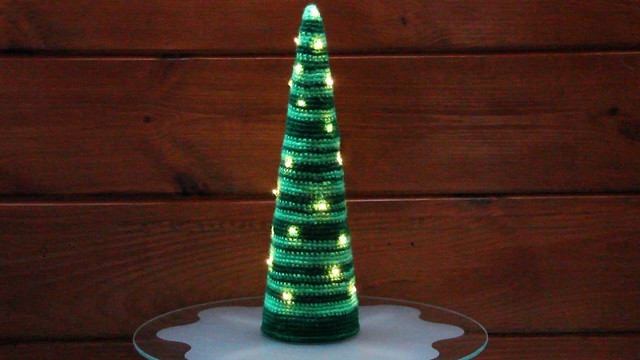 Lighted Crochet Christmas Tree