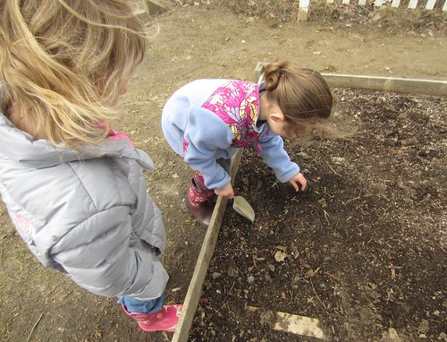 hiding the worm in the soil