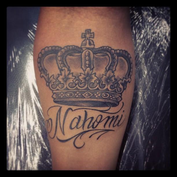 Tattoo de coronas con nombres - Imagui