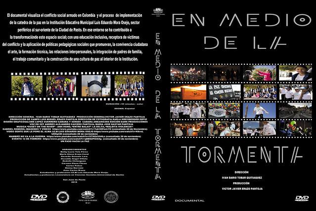 Grupo de teatro Arlequín Arlequines en el lanzamiento del documental En Medio de la Tormenta