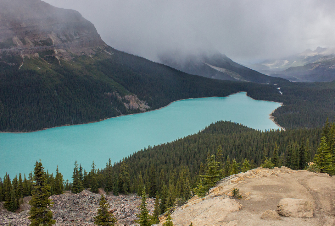 Snow clouds at Peyto Lake